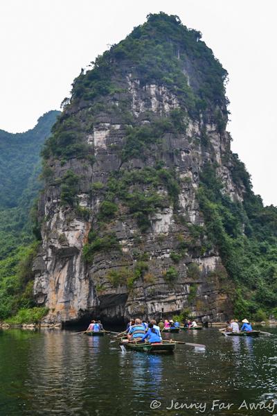 Entering the cave at Trang An.