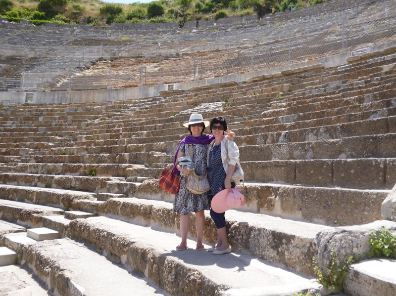 YQ and her mum in Ephesus, Turkey.
